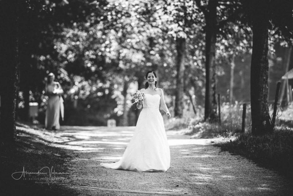 Erste Kontaktaufnahme fotografiert vom Hochzeitsfotograf