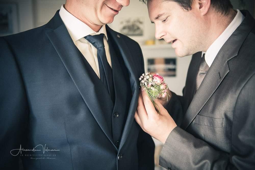 Blumenbesteck Kontrolle - Hochzeitsfotograf